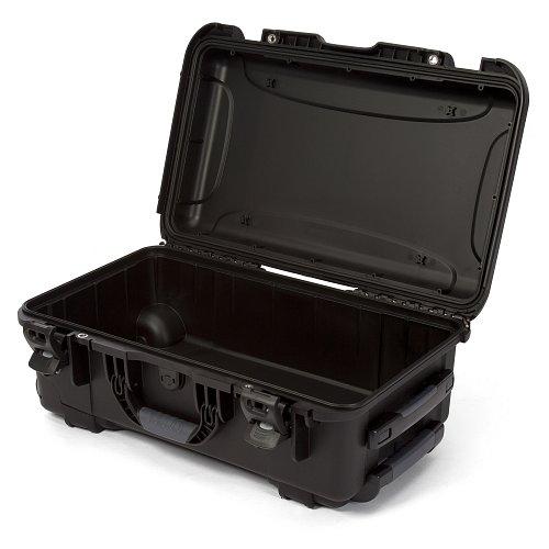 NANUK - Odolný cestovní kufr model 935 - černá